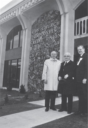 photo of Spencer W. Kimball, Gordon B. Hinckley, & Keith Carroll outside the North Temple branch
